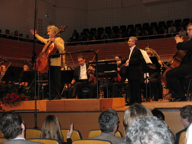 world premiere of Cello Concerto, KKL Lucerne